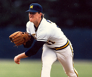 Jim Abbott pitches for the University of Michigan