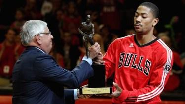 Rose receiving his MVP trophy